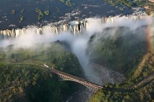 Victoria-Falls-3